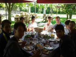 8.Sınıf öğrencilerimizin mezun etmeden önce son kahvaltısı Cansu Alabalık Tesislerinde yapıldı.